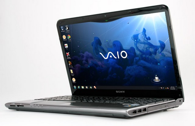 Ноутбук бу 17,1″ SonyVaio PCG-91111M  Core i5 M480 – 2.67GHz/DDR3-4Gb/HDD 500Gb/Radeon HD-1Gb/DVD-RW/WiFi/Web камера/