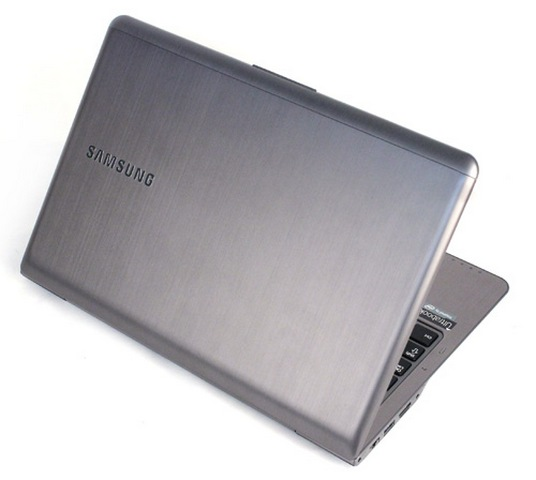 "13.3"" Samsung Ultra 530U Intel Core i3 3217"